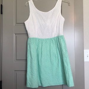 New💕White and aqua green eyelet dress, open back